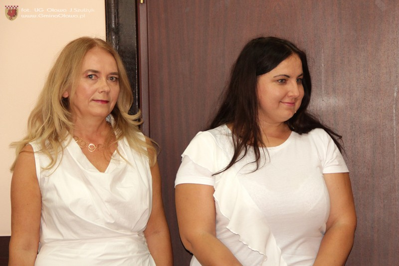 Kolejni nauczyciele mianowani w szkole w Marcinkowicach.